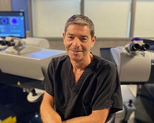 Expert LASIK Surgeon in Chicago